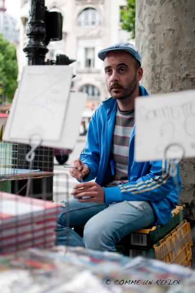 Portrait de rue à Paris d'un bouquiniste  Photo-pele-mele-4 9664